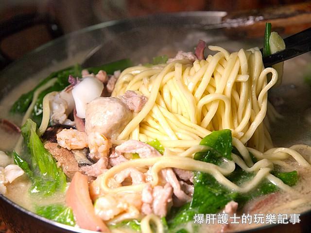 【彰化美食】鹿港富成小吃部 料多豐富的雜菜麵及嫩口鵝肉遠近馳名 - nurseilife.cc