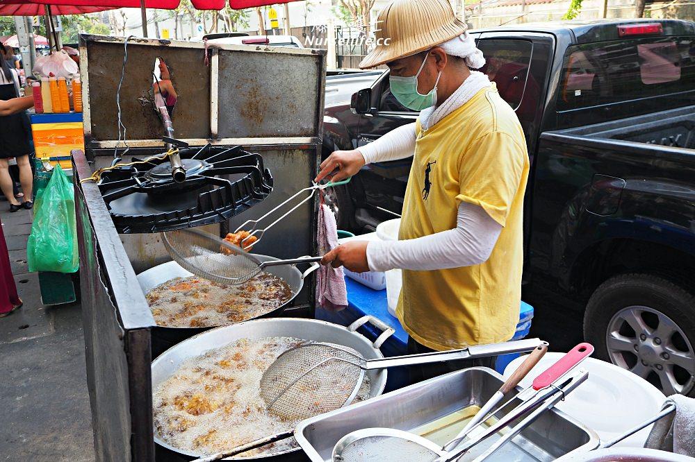 曼谷BTS Chit Lom 奇隆站必吃排隊早餐:炸雞、炭烤吐司、手標泰奶 - nurseilife.cc